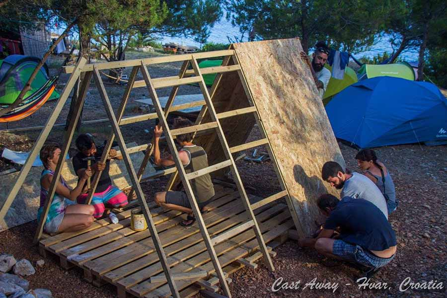 Cast Away 2016 - Help in summer building bungalows 3web