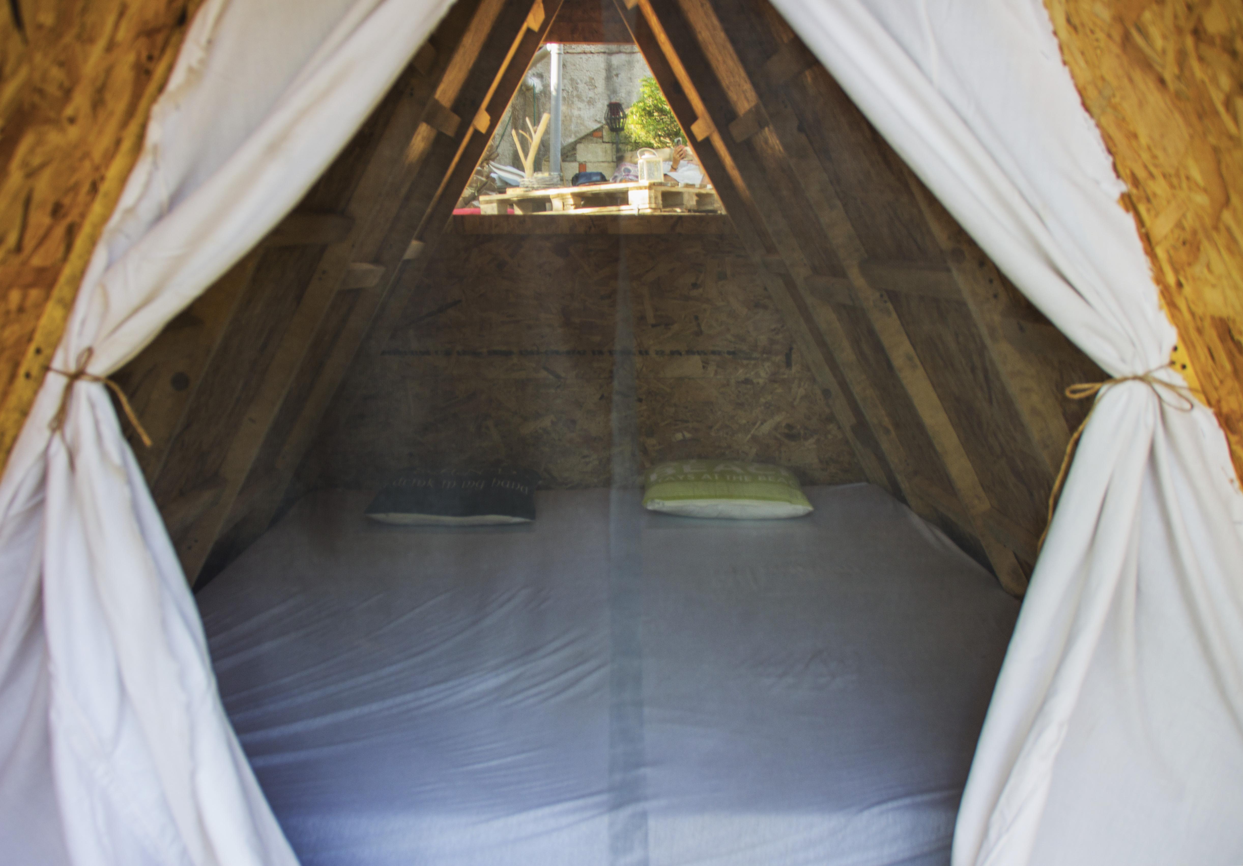 Cast Away Rooms, cheap campsite, Hvar Croatia