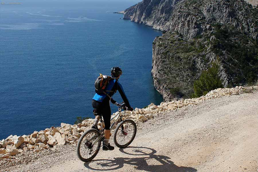 Hvar Mountainbike Cast Away Hostel Service